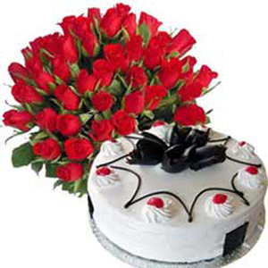 1/2Kg Blackforest Cake with 50 Red Roses