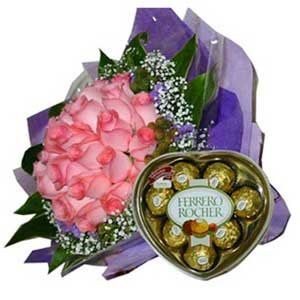 Pink Roses n 16 Pcs Ferrero Chocolates