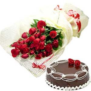 Lovely Red Roses N Chocolate Cake