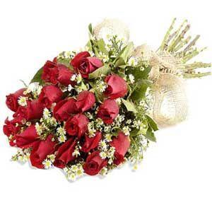 Natural 15 Red Roses