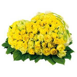 50 Yellow Roses Heart Shape