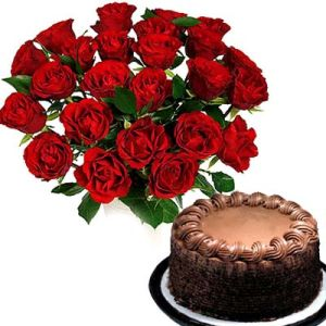 Fresh Red Roses n Chocolate Cake