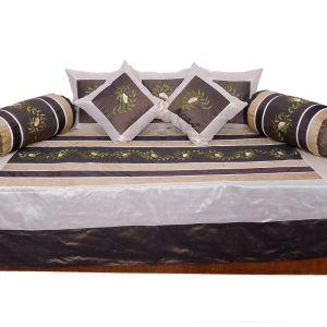 Designer Hand Embroidered Fine Silk Dewan Set