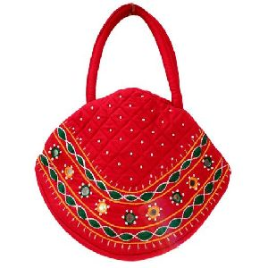 Daur Red Embroidery Bag