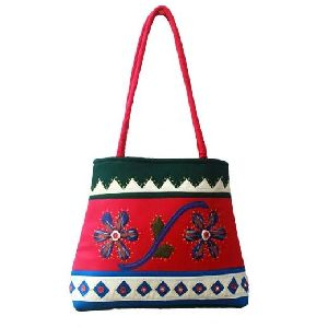 Gracy Embroidery Bag
