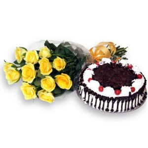 Xmas Blackforest Cake n Yellow Roses