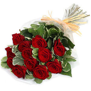 Send Gifts N Cakes Chennai 12 Red Roses Bouquet
